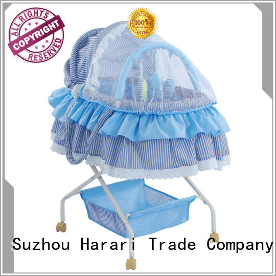 lovely baby bassinet playpen with good price for playing Harari